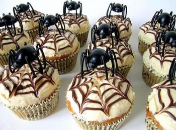 スパイダーカップケーキ
